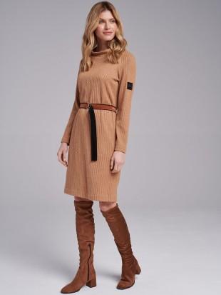 Sukienka camelowa z paskiem...